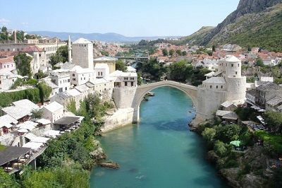 02-Mostar_Bosnia_and_Herzegovina-638x425
